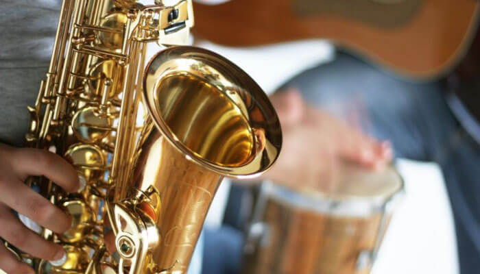Learn to play baritone saxophone