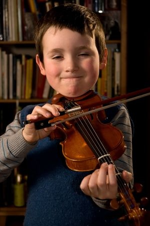 essay on the violin Learning the violin takes a lot of time and patience so it can lead to needing something to keep you going back – especially for children there are a number of.