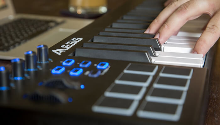 best MIDI keyboard buying guide