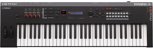 Yamaha MX61 keyboard