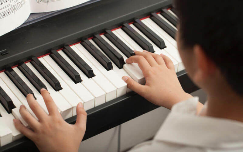10 Best Cheap Keyboard Pianos Under $300 (2019 Update)
