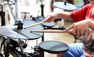 best beginner electronic drum sets (thumbnail)