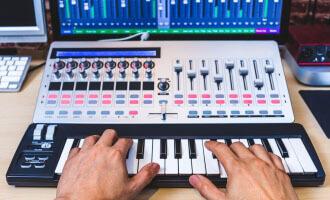 best MIDI keyboard controllers (thumbnail)